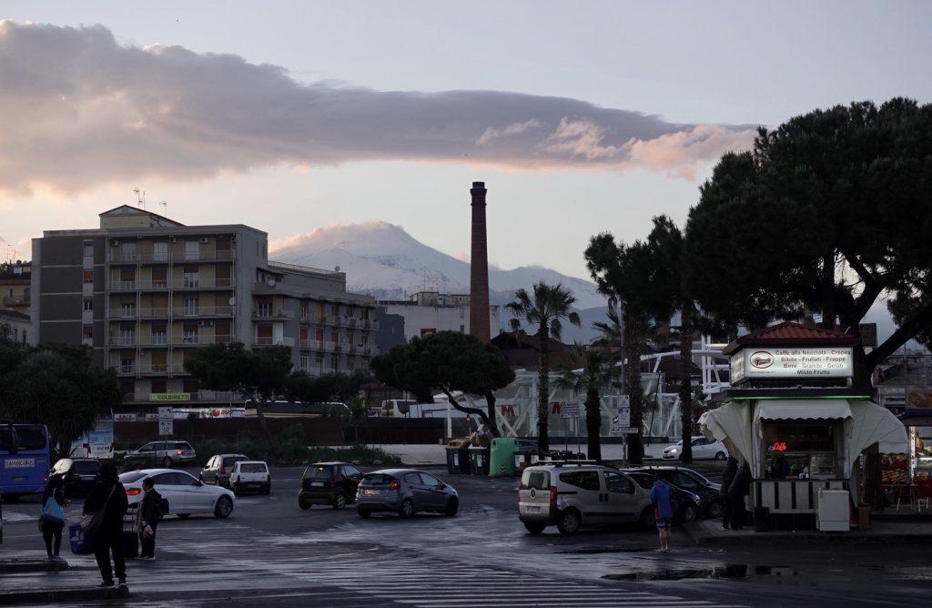 Gezicht op de Etna vanuit Catania